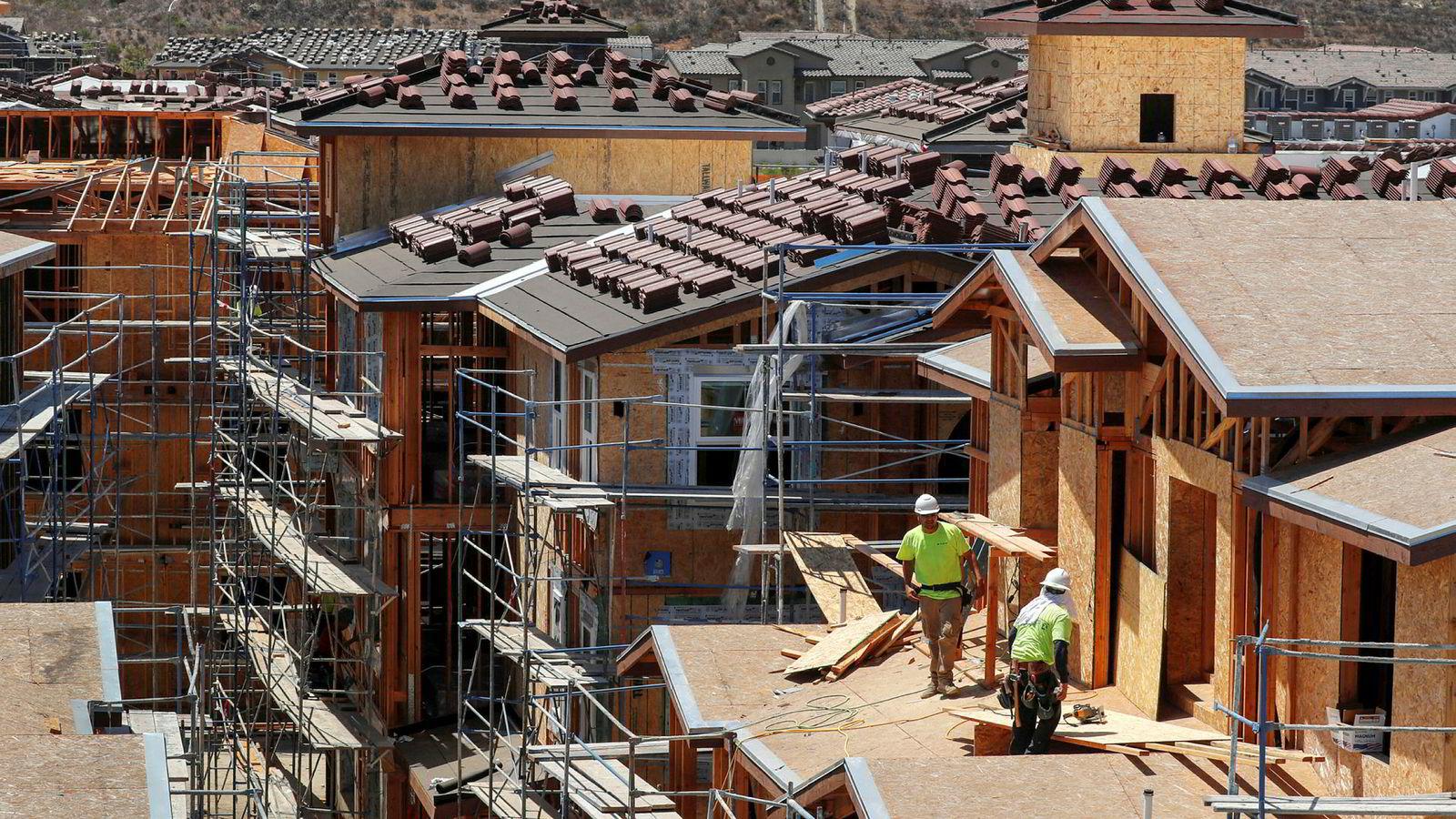 En egenskap ved et typisk konjunkturforløp for USA er at boliginvesteringene gir et tidlig signal om og bidrag til utviklingen i brutto nasjonalprodukt (bnp). Her fra Oceanside, California i USA.