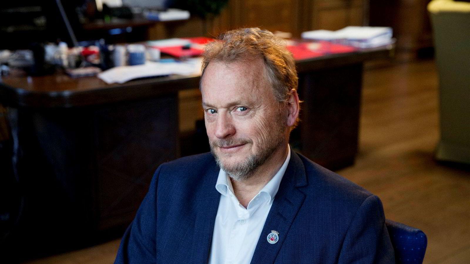 Byrådsleder Raymond Johansen (Ap) tar nå et oppgjør med måten Ivar Tollefsen i en årrekke har operert i eiendomsmarkedet.
