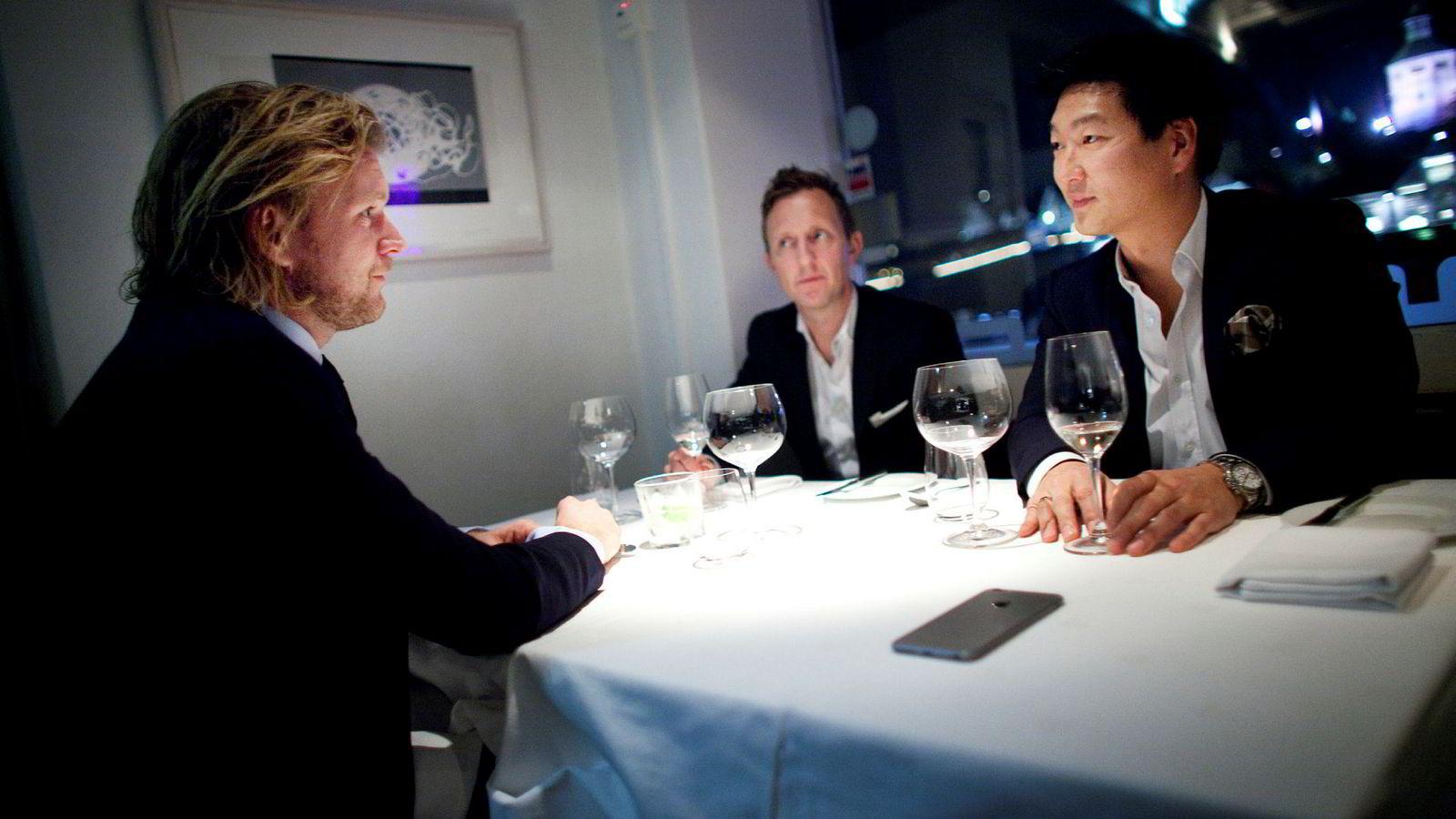 Petter Smedvig Hagland (til venstre) har kjøpt en av de dyreste boligene som er omsatt i Stavanger. Her sammen med Kjetil Andersen og Thomas Mjeldheim som han har startet eiendomsselskap sammen med.