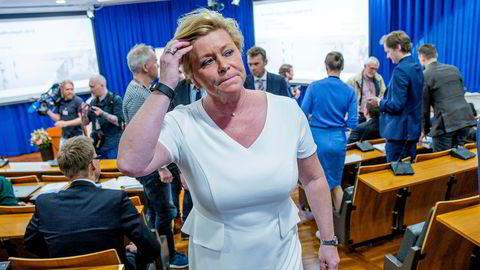 Finansminister Siv Jensen (Frp) får ikke med seg regjeringen på en bompengeløsning.