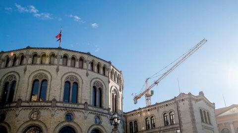Stortingspresident Olemic Thommessen gikk av tidligere i år på grunn av byggesaken. Prosjektet skal være ferdig høsten 2018.