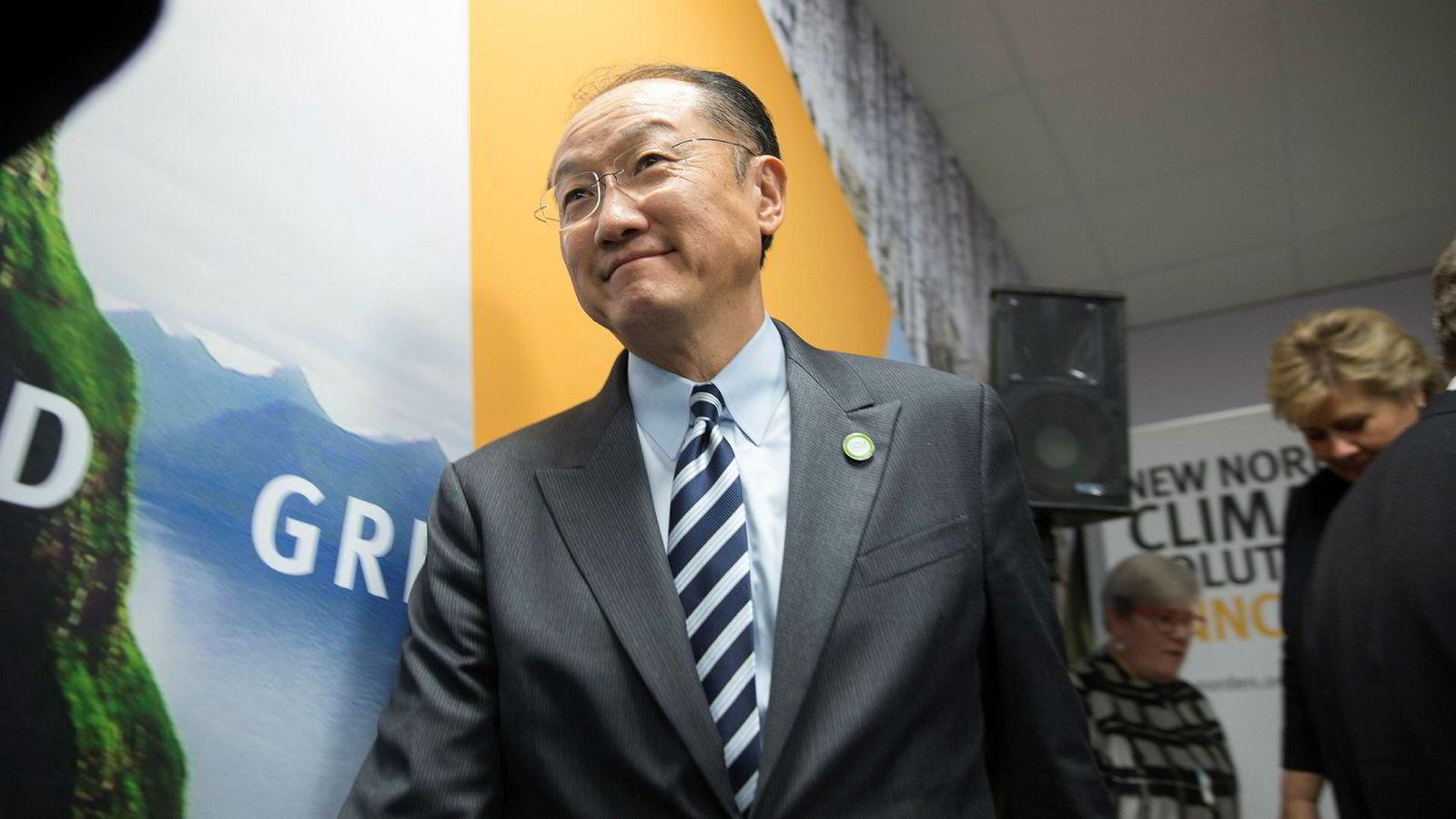 . Verdensbankens president Jim Yong Kim, her med statsminister Erna Solberg (H) i bakgrunnen under FNs klimakonferanse i Paris i 2015.