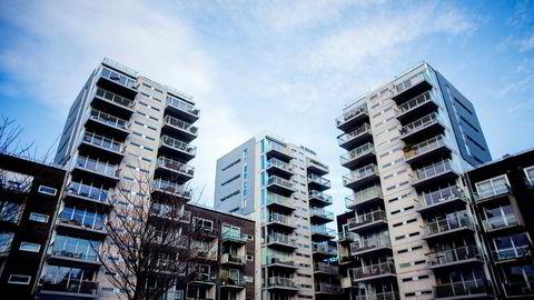 Grunnet boligprisfallet sitter mange tusen i Oslo nå igjen med lite egenkapital i boligen.