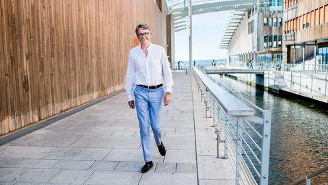 Toppsjef Øyvind Eriksen (51) i Aker tror nedturen i oljebransjen fortsetter i 2016. Nå tar han imidlertid en pause fra krisen, og stikker til familiehytta i Larvik. Foto: Skjalg Bøhmer Vold