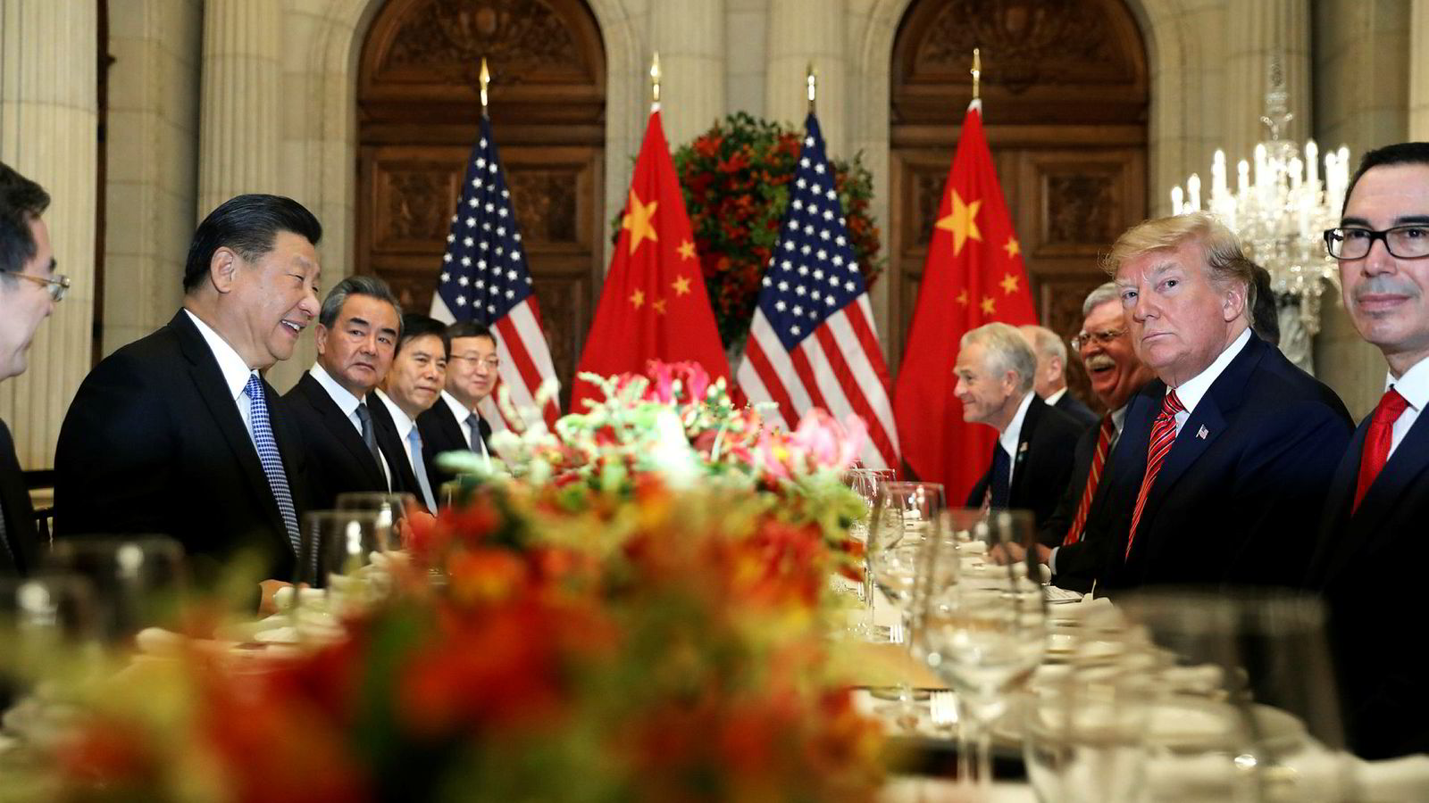 USAs president Donald Trump sammen med Kinas president Xi på G20-toppmøtet i Buenos Aires lørdag.
