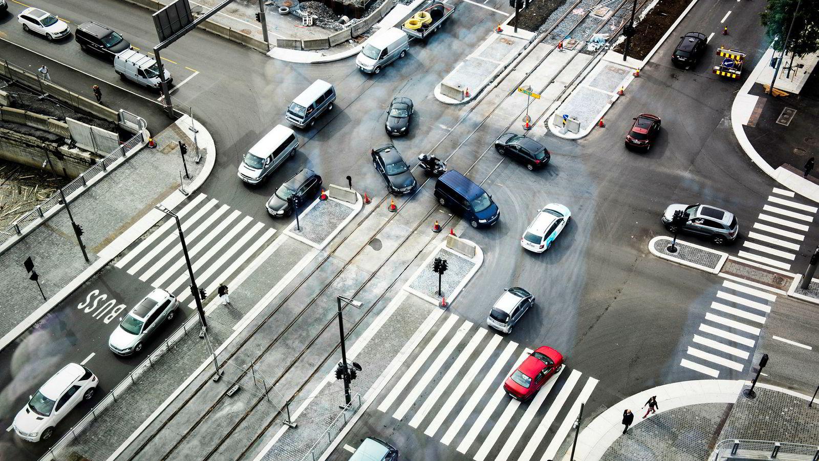 Det ble ikke balanse mellom økningene i avgiftene på biler med høye utslipp og reduksjonen i avgiftene på biler med lave utslipp.
