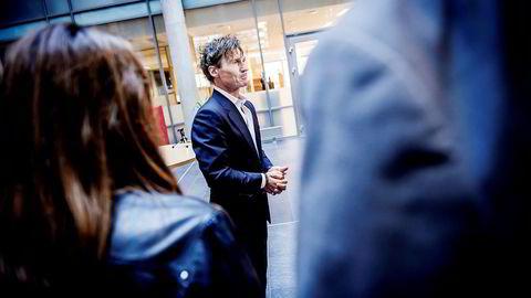 Petter A. Stordalen åpnet storhotellet The Hub første mars – og luksushotellet Amerikalinjen (i bakgrunnen) 14 dager senere og må sin del av «skylden» for at konkurransen i Oslo hardner til.