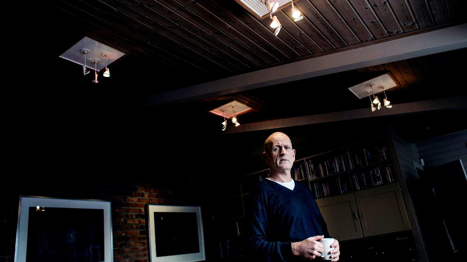 Finansblogger og tidligere investeringsdirektør Peter Warren reagerer med vantro på aksjeomsetningen i Optin Bank.