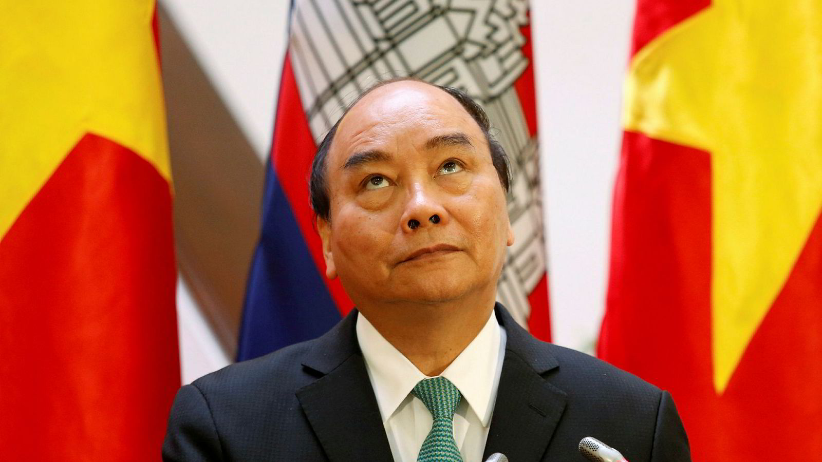 Vietnams statsminister Nguyen Xuan Phuc har innført en rekke regler for offentlig ansatte.