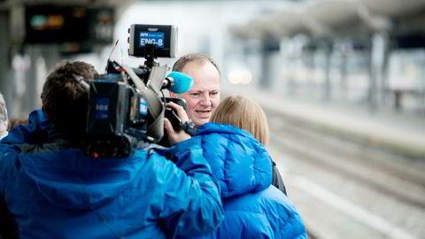 Konkurransen om å kjøre tog på Sørlandsbanen blir snart avgjort. Parallell veiutbygging kan utfordre passasjertallet, men statsråd Ketil Solvik-Olsen er ikke særlig bekymret