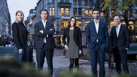 MAKROPANEL. Fra venstre: Erica Blomgren, Olav Chen, Camilla Viland, Shakeb Syed, og Bjørn-Roger Wilhelmsen. FOTO: Skjalg Bøhmer Vold