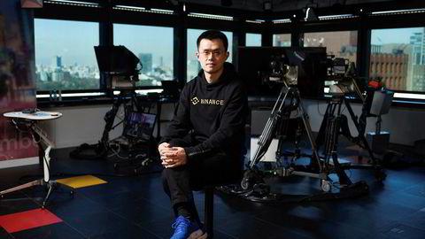 Toppsjef for kryptovalutabørsen Binance, Changpeng Zhao, lover at kunder som ble frastjålet kryptovaluta verdt over 350 millioner kroner i bitcoin ikke vil bli skadelidende.