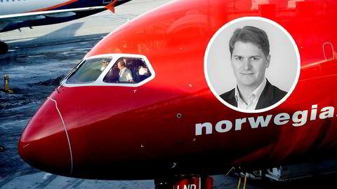 Norwegian har ikke nok kontanter til å betale tilbake to store lån som forfaller i år og neste år. Forrige uke ba selskapet sine långivere om betalingsutsettelse. Forvalter Philippe Sissener (innfelt) ønsker ikke å godta Norwegians plan.