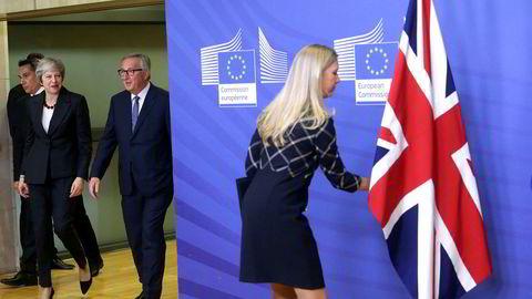 Britenes statsminister Theresa May og Europakommisjonens president  Jean-Claude Juncker er enige om en brexitplan.