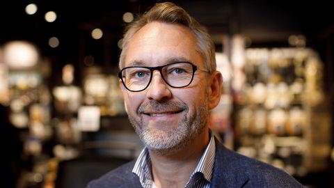 Jernia årsresultat 2018. Administrerende direktør Espen Karlsen i Jernia viser frem Jernias nye butikkonsept i butikken på Lambertseter. Konseptet skal nå gjennomføres i Jernia-butikker over hele landet.