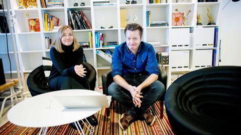 Pr-byrået Trigger har hatt regi på lanseringen av Lotteritilsynets kampanje. Her er daglig leder Bente Kvam Kristoffersen og konsernsjef Preben Carlsen. Foto: Mikaela Ber