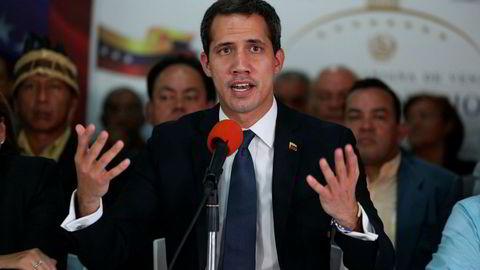 Venezuelas opposisjonsleder anklager regjeringen for å kneble de folkevalgte.
