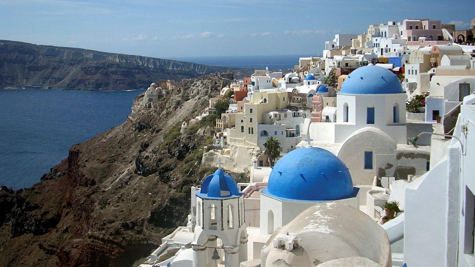 Tesla vil bidra til grønn omstilling av strømforsyningen på de greske øyene. Bildet er fra øya Santorini.