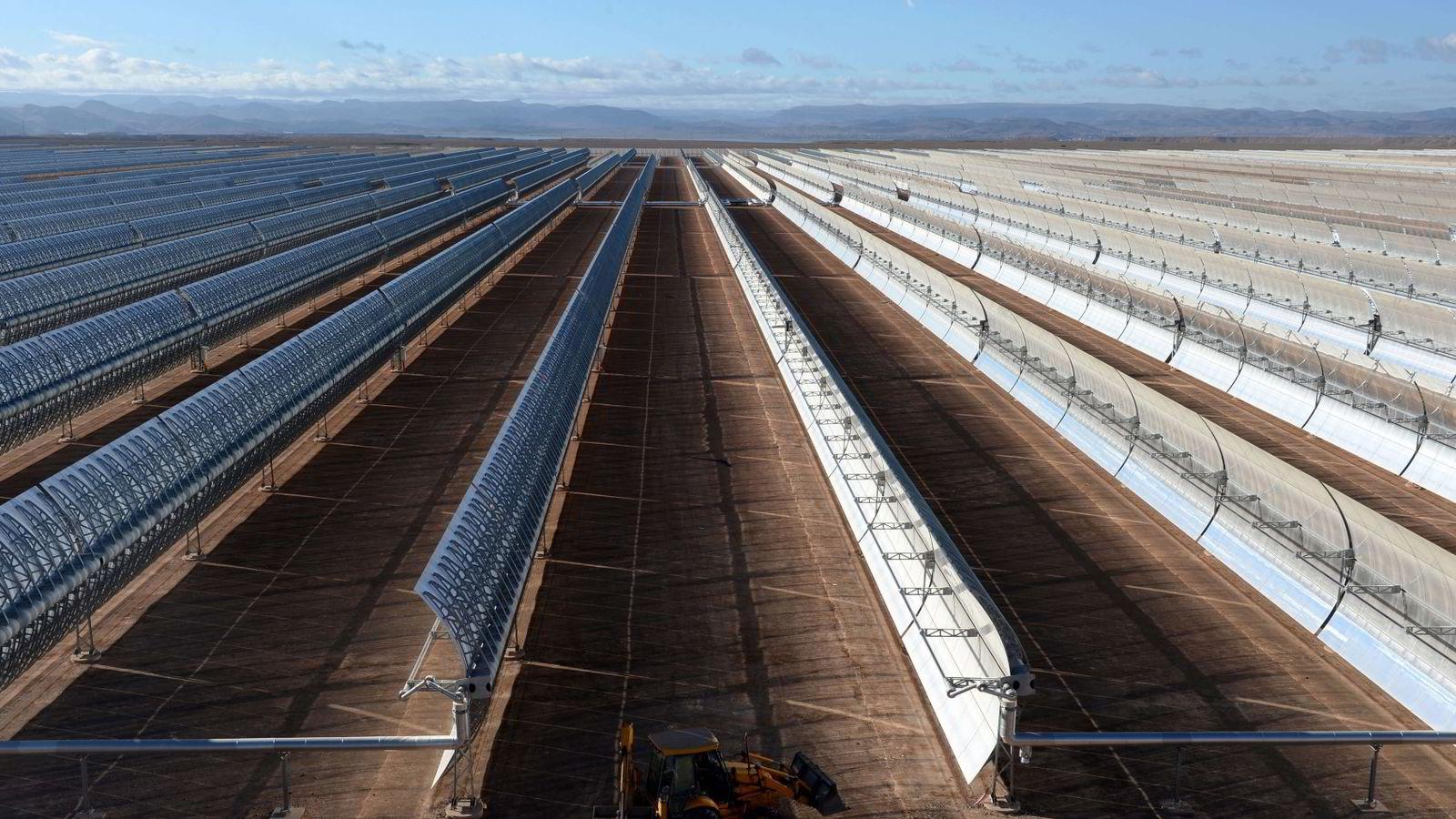 Første del av solcellekraftverket Noor 1 i Marokko skulle settes i drift søndag, men åpningen ble overraskende utsatt. Foto: Fadel Senna/AFP Photo/NTB scanpix