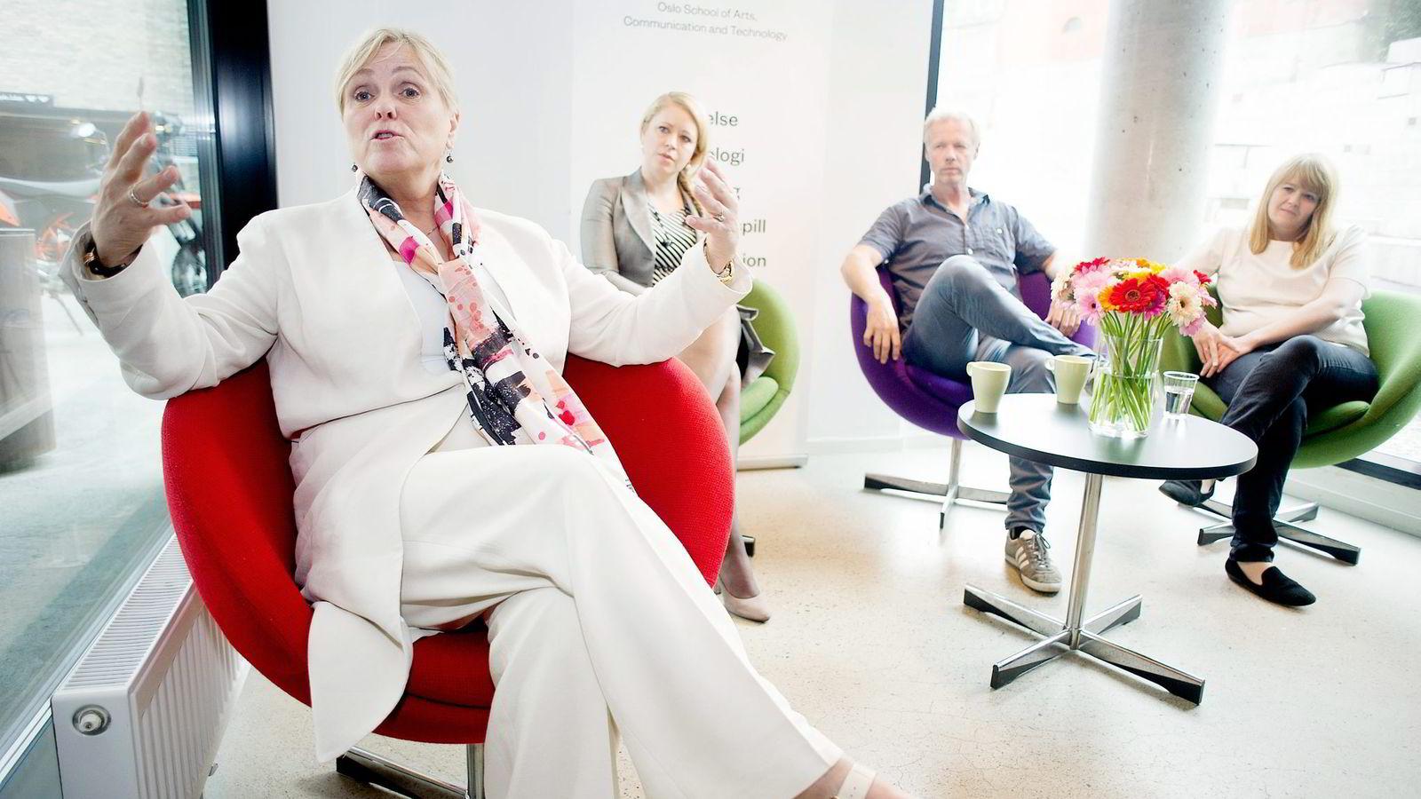 – Jeg er helt sikker på at dette vil munne ut i noe, sier kulturminister Thorhild Widvey.