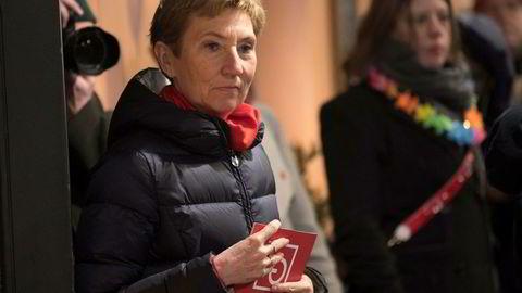LOs nestleder Peggy Hessen Følsvik vil kjempe mot au-pair-ordningen, og langer ut mot Venstre og Krf som støtter ordningen.