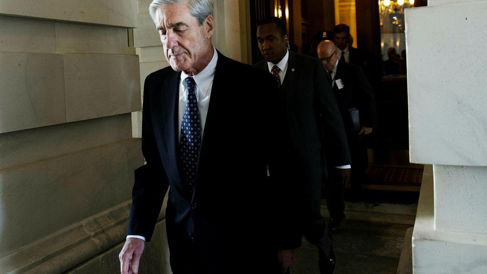 Spesialetterforsker Robert Mueller har i snart to år jobbet i det stille. Nå spørs det om resultatet av den nitide etterforskningen kommer frem i lyset. Her etter et lukket møte med Senatets lovkomité i juni 2017, som er en av Muellers siste opptredener i det offentlige.