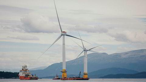 Norge har unike forutsetninger for å gjøre havvind til en stor fremtidsnæring – lang kyst, stabile vindforhold, unik kompetanse offshore fra olje og skipsfart, og engasjerte selskaper som Aker og Equinor. Det eneste som har manglet, er politisk lederskap, skriver Erik Solheim.