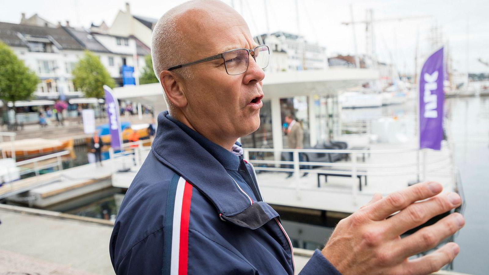 Dette er ikke klaging fra en kringkastingssjef, skriver NRK-topp Thor Gjermund Eriksen, og avviser at NRKs inntekter har gått i været, slik kritikerne hevder. Her fotografert under Arendalsuka.