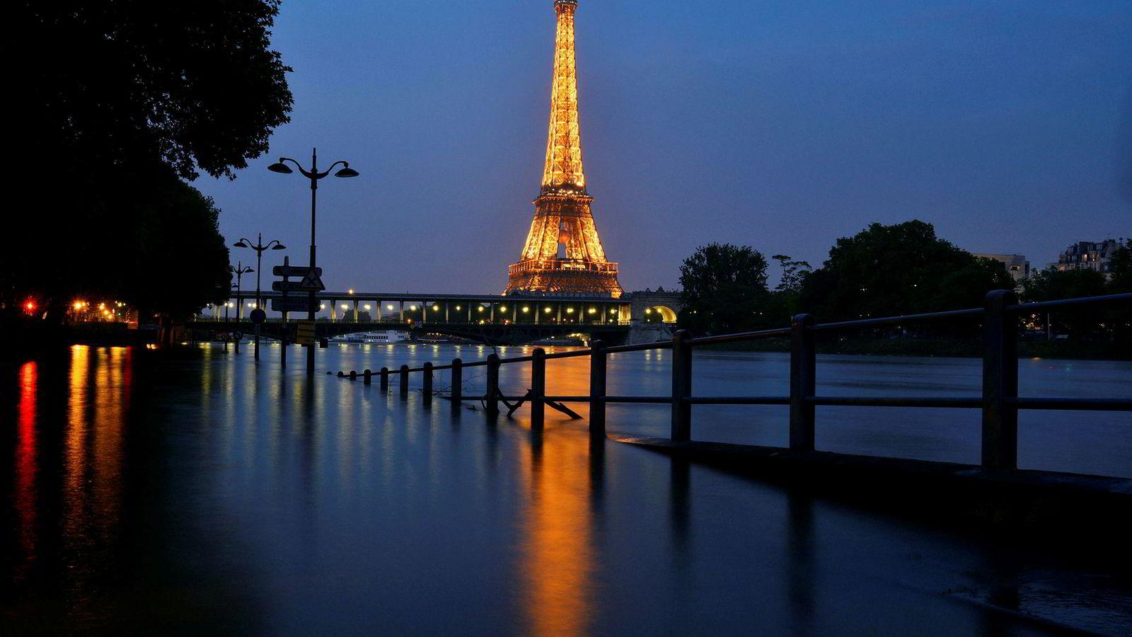 Europa vil merke klimaendringene på mange måter. Bildet viser flom i Paris i fjor sommer.