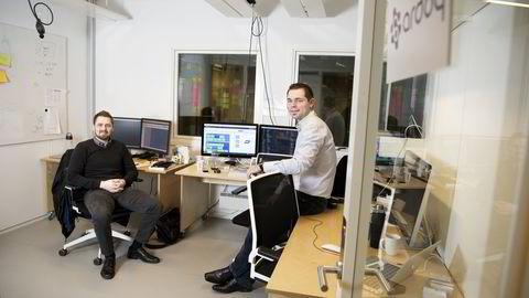 Har du kjent på frustrasjonen over innfløkte it-systemer på arbeidsplassen? Erik Bakstad (til venstre) og Magnulf Pilskog tar sikte på å løse problemet. Foto: Elin Høyland
