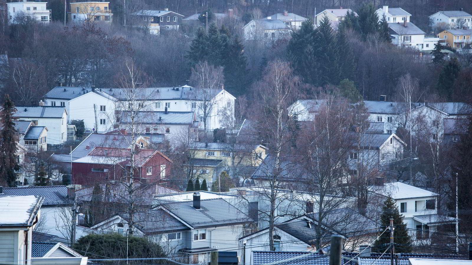 Folks kjøpsplaner viser at flere planlegger å kjøpe bolig før de selger sin eksisterende, viser en fersk undersøkelse Ipsos har utført for DNB Eiendom.