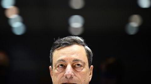 Analytikerne tror ECB-sjef Mario Draghi kommer til å forlenge sitt program med oppkjøp av obligasjonsgjeld i Europa, men at det er for tidlig å kunngjøre det torsdag. Foto: John Thys/AFP/NTB Scanpix