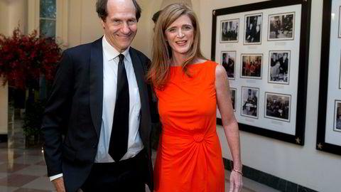 Vinneren av årets Holberg-pris, Cass Sunstein, er opptatt av å hjelpe folk å ta riktige valg uten å begrense deres frihet til å velge. Her er han sammen med kona, Samantha Power, som var amerikansk FN-ambassadør under Barack Obama.