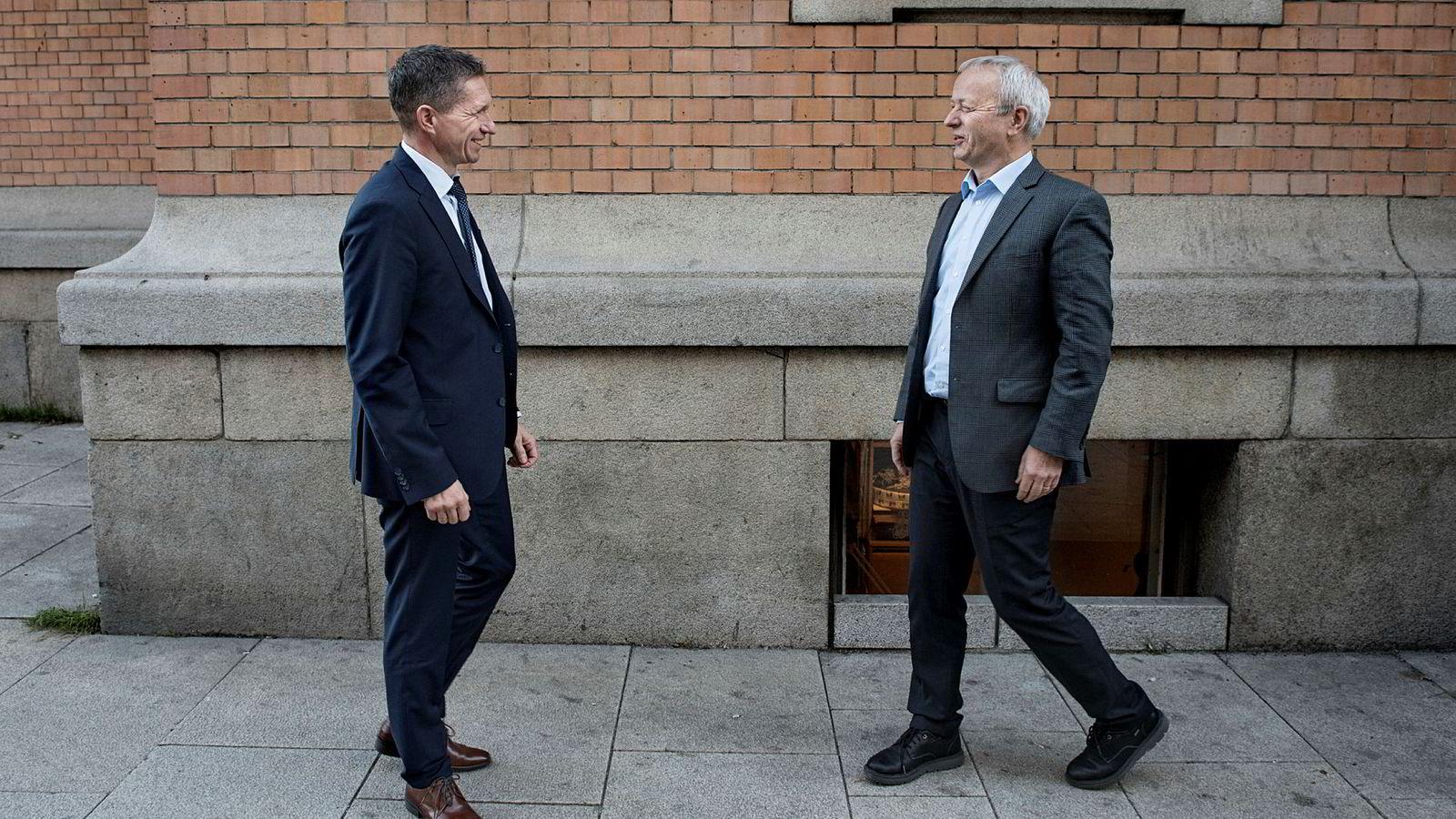 – Totalt planlegger vi å hente inn 1,2 milliarder for utbyggingen av det første anlegget, og Swedbank vil bistå oss i dette arbeidet, sier daglig leder Thomas Skadal i Biozin Holding (til venstre) om biodrivstoffplanene. Til høyre, styreleder Olav Falk-Pedersen i selskapet.