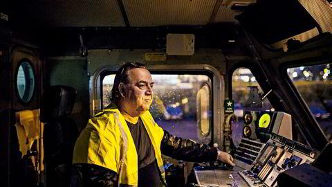 Leder Rolf Ringdal i LOs Norsk Lokomotivmannsforbund frykter at Vy risikerer å tape nok et anbud når pendler- og intercitytrafikken rundt Oslo sannsynligvis konkurranseutsettes.