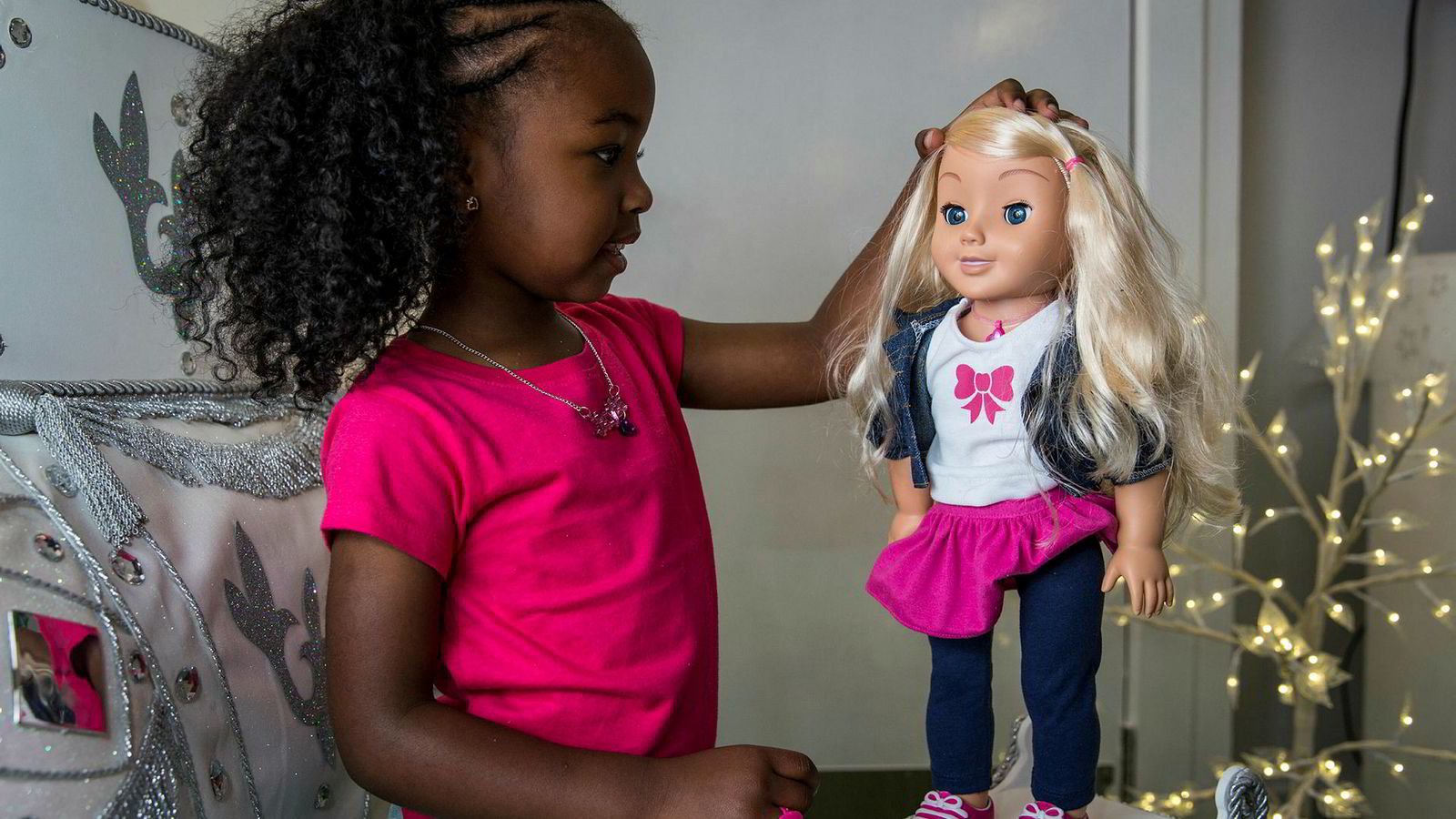 I de senere årene har det kommet opp flere alvorlige tilfeller der hverdagslige ting rundt oss er blitt hacket. Et godt eksempel er Cayla-dukken (bildet).