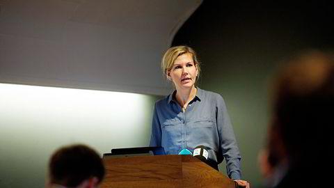 Aps finanspolitiske talsperson, Marianne Marthinsen, la torsdag frem et alternativt budsjett skatt og avgift  oøker og oljepengebruken er vesentlig lavere enn regjeringens.                    Foto: Mikaela Berg