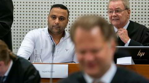 Hovedtiltalte i Lime-saken, Sajjad Hussain og forsvarer Morten Kjensli på plass før ankebehandlingen av Lime-saken i Borgarting lagmannsrett tirsdag.