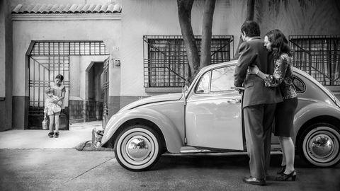 Herskap og tjenere. «Roma» forteller den lille historien fra regissørens barndomsminne, den viktige historien som ikke fester seg i det kollektive minnet, men som fortjener plassen den tar på lerretet.