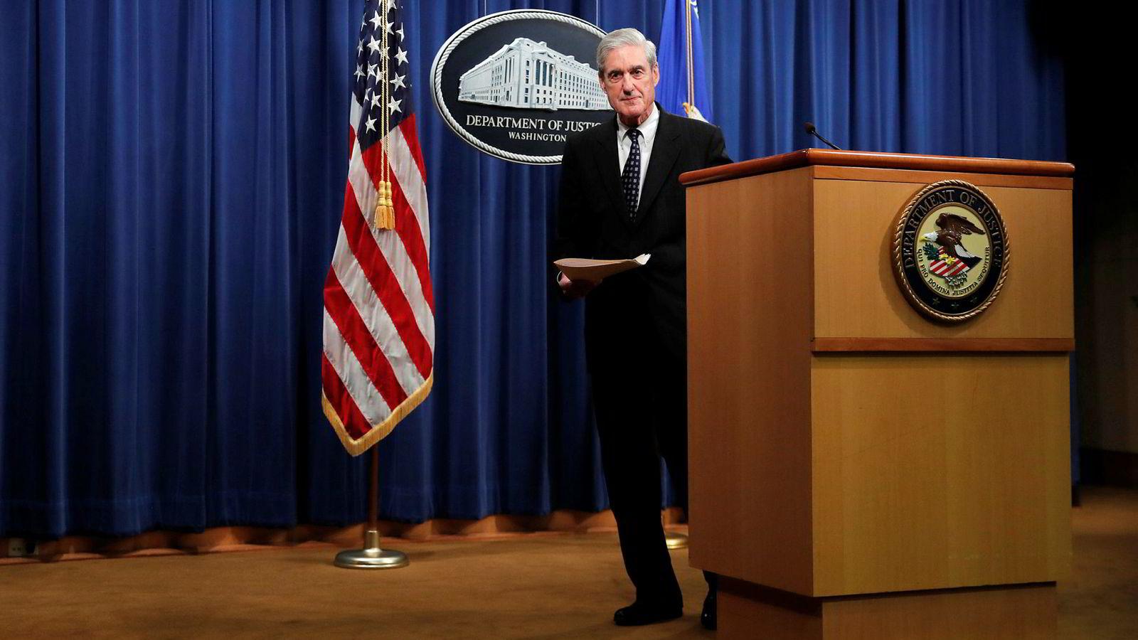Spesialetterforsker Robert Mueller sier det ikke var aktuelt å anklage Trump, med henvisning til retningslinjene om at en sittende president ikke kan tiltales.