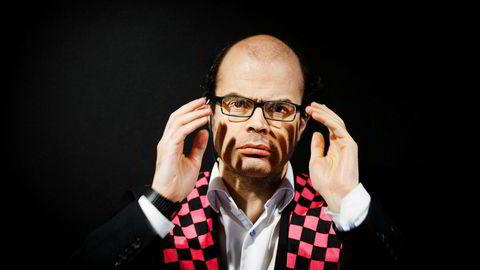 Sjakkspiller og entusiast Hans Olav Lahlum mener Magnus Carlsen har mellom 70 og 75 prosent sjanse for å forsvare sin tittel.