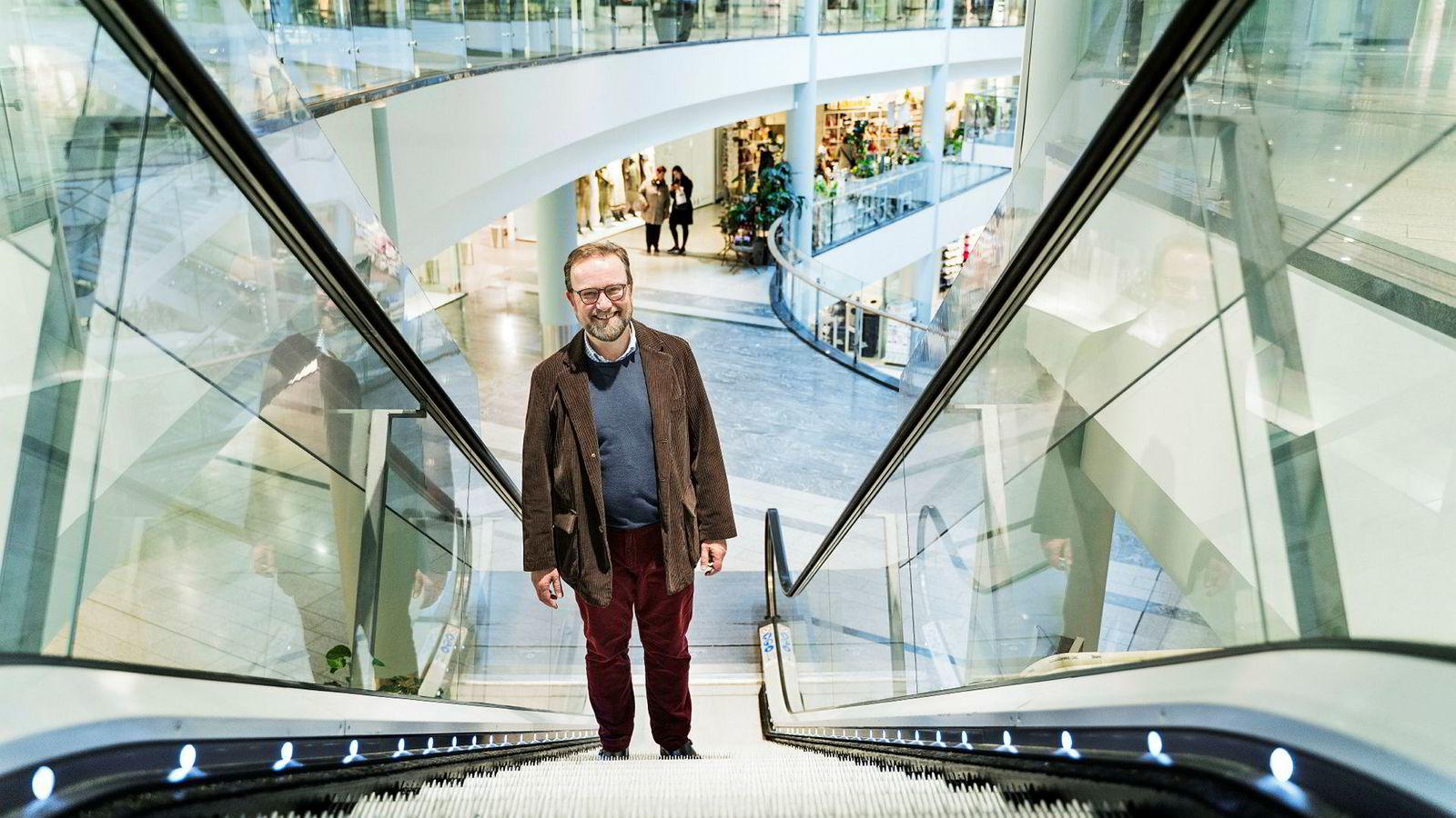 Richard Jacobsen i selskapet In2Win har i over 20 år kurset toppledelsen i detaljhandelen om hva som skal til for å øke salget. – Alt koker ned til ledelsen, mener han.