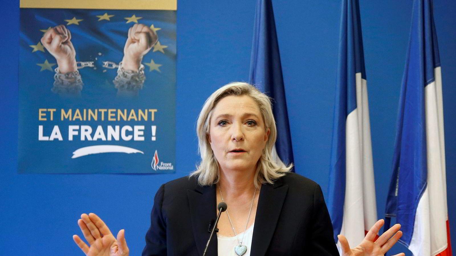 I Frankrike har Marine le Pen lovet folkeavstemning om EU-medlemskap for å stoppe innvandringen, om hun vinner presidentvalget.                Foto: Jacky Naegelen/Reuters/NTB Scanpix