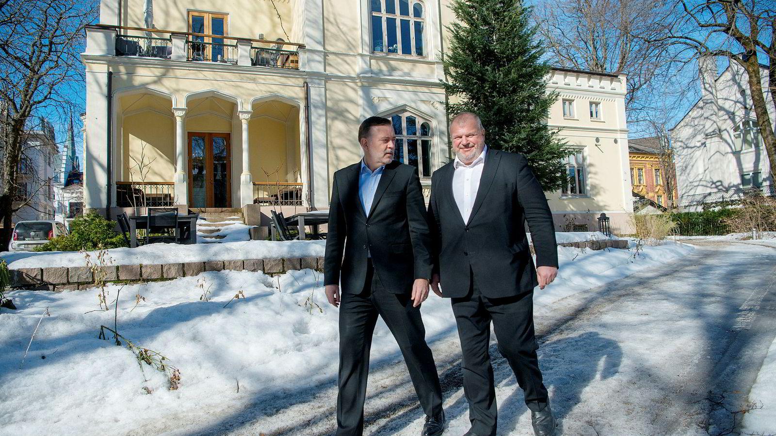 - Blir man for stor er det fort gjort å miste konsentrasjonen, sier Jan Erik Larsen (til venstre). Han og Bjarne Håkon Hanssen er to av hovedeierne i pr-byrået Kruse Larsen.