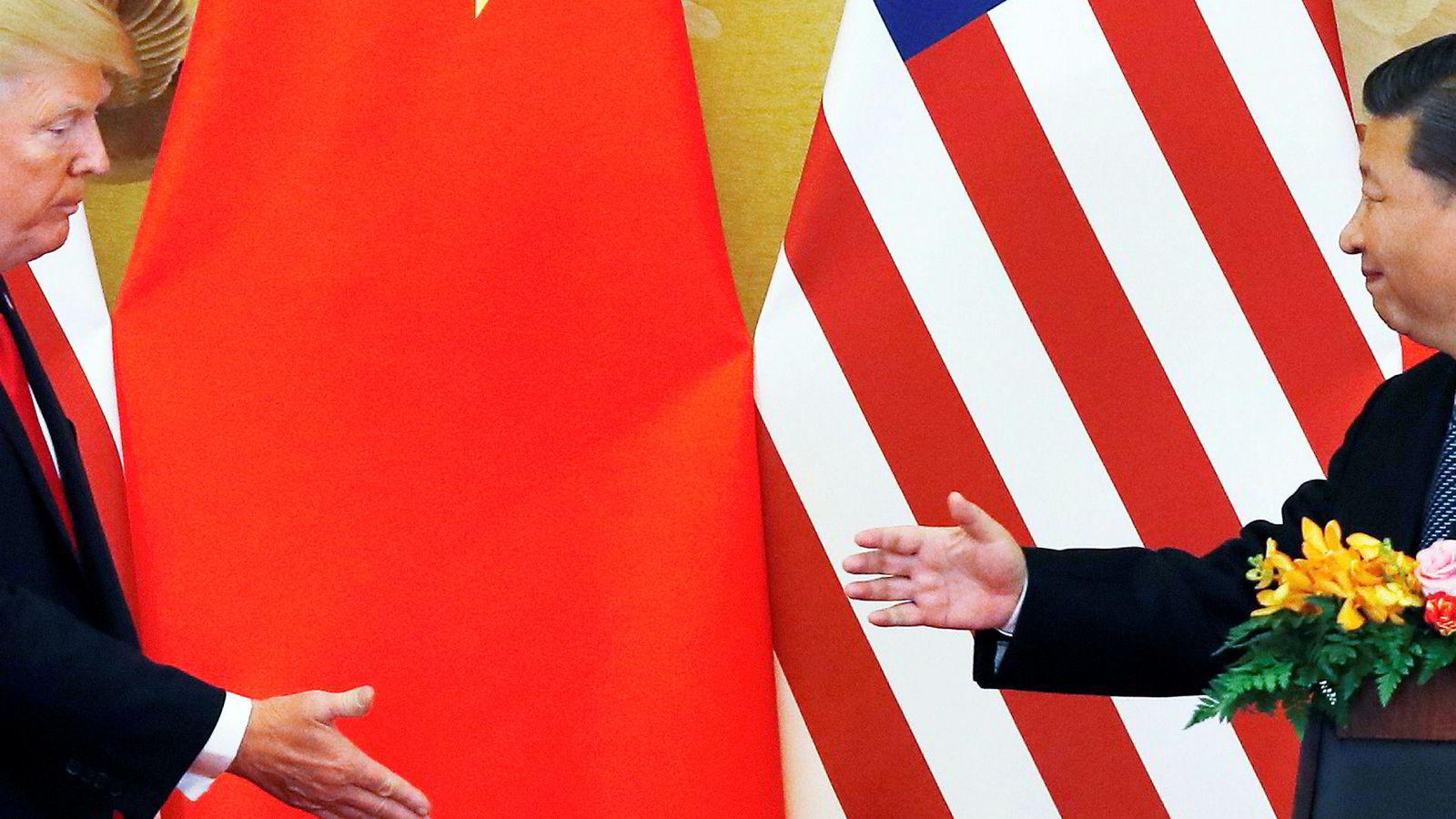 Kinas sender representanter til Washington for å diskutere en handelsavtale med USA i neste måned, opplyser amerikanske myndigheter.