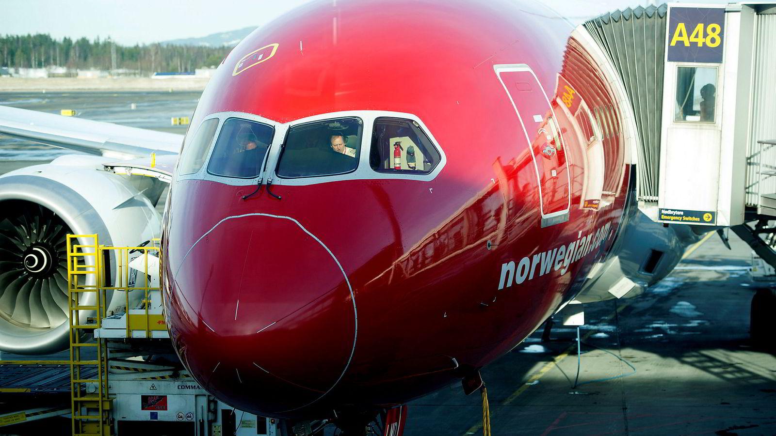 Norwegian-ledelsen hevder sin rett til å bestemme hvordan selskapet skal organiseres