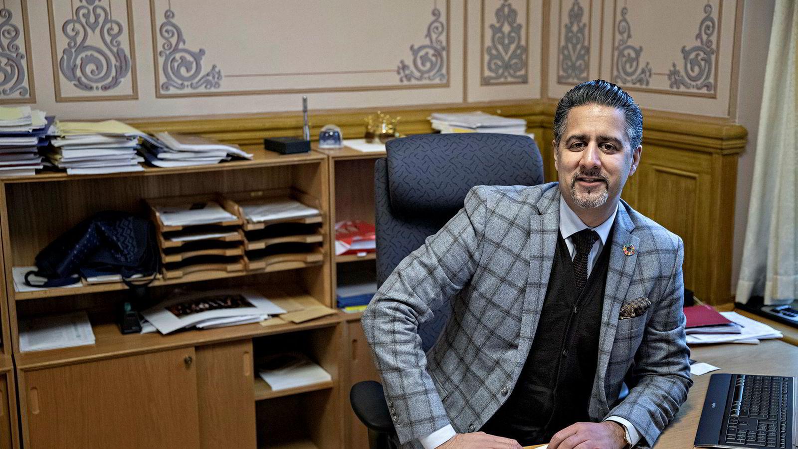 Venstres finanspolitiske talsperson, Abid Raja, avfeier at det eksisterer en bompengekrise i Norge.