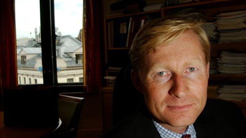 PENSJONSSPARING: Administrerende direktør Lasse Ruud i Verdipapirfondenes Forening anbefaler 25-åringer å begynne å spare til pensjon. FOTO: Håvard Bjelland