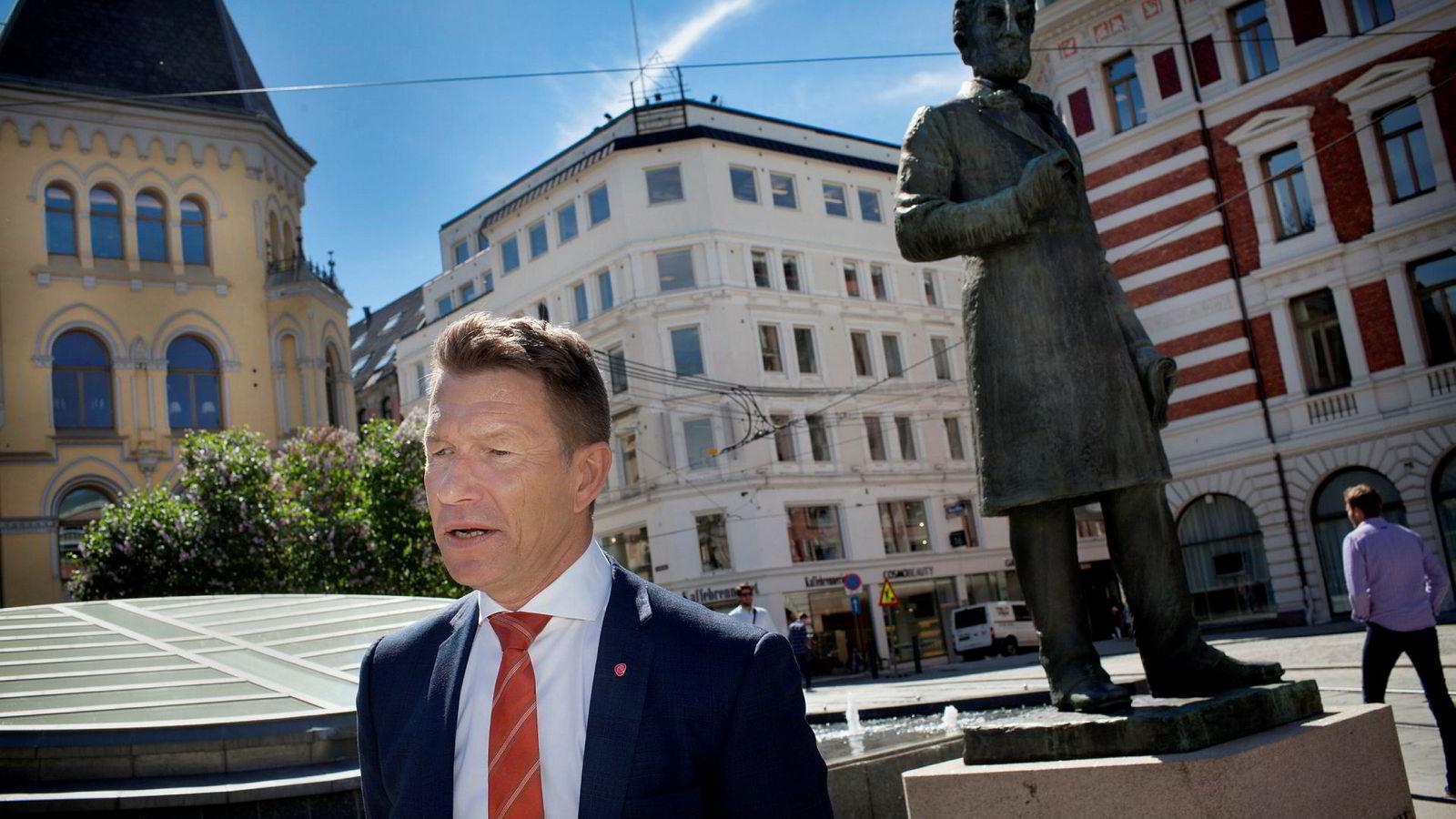 Arbeiderpartiets Terje Lien Aasland er bekymret for støtteordninger til norsk industri.