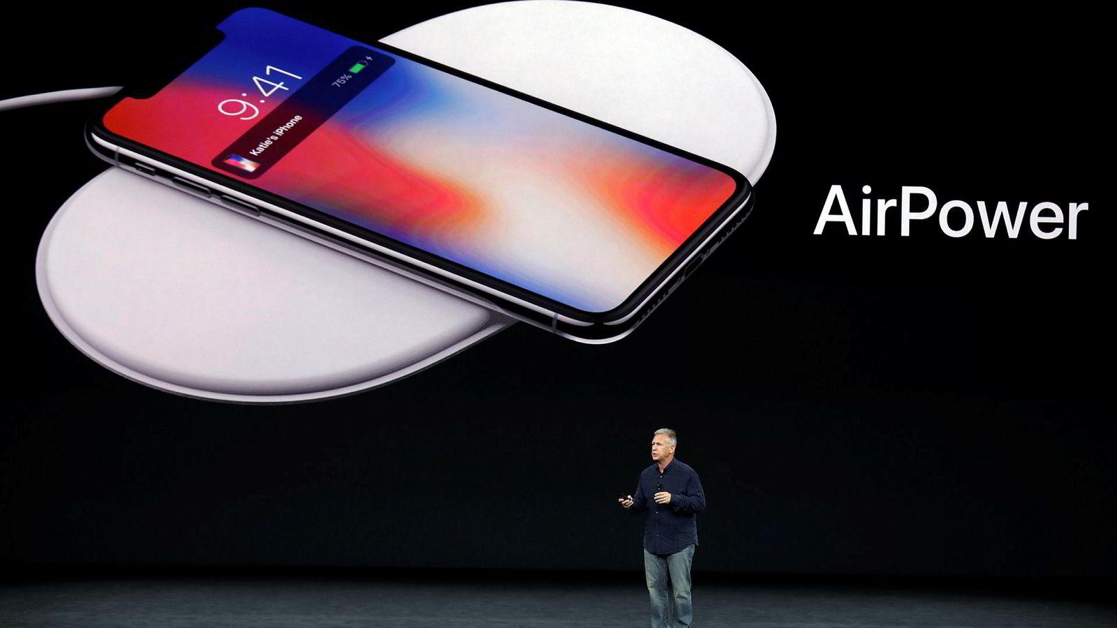Her presenterer Phil Schiller fra Apple Airpower tilbake i 2017. Nå bekrefter selskapet at planene er lagt på is.
